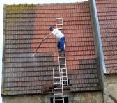 Démoussage de la toiture, toutes les infos utiles thumbnail
