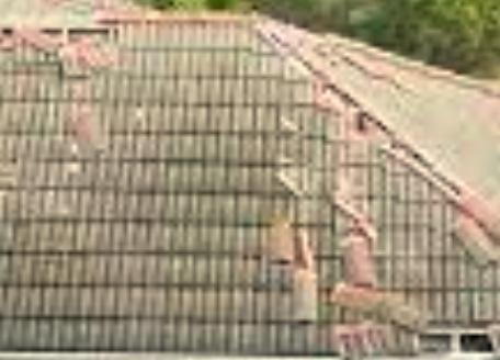 Le toit en lauze, parfait pour un bâtiment de style rustique